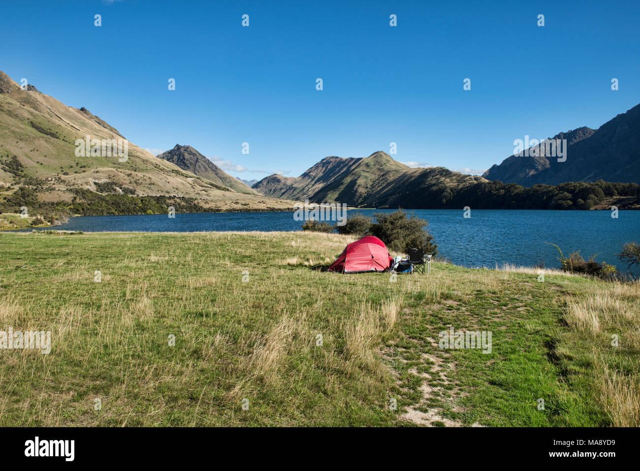Ruhige Moke Lake in der Nähe von Queenstown, Neuseeland Stockbild