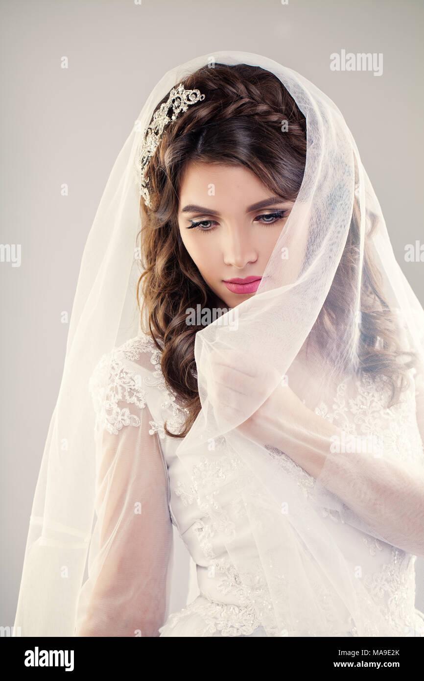 Schone Braut Hochzeit Frisur Und Make Up Closeup Portrait Von