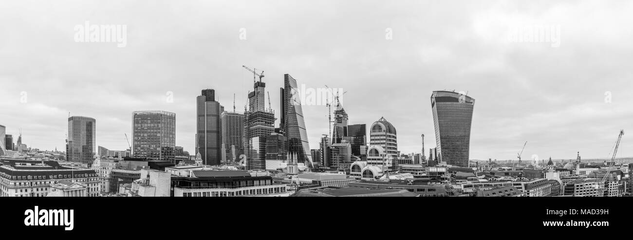 Stadt London Skyline: Engel, Stock Exchange Tower, Tower 42, 22 Bishopsgate, Cheesegrater, Skalpell, 20 Gracechurch Street, Walkie Talkie Stockbild
