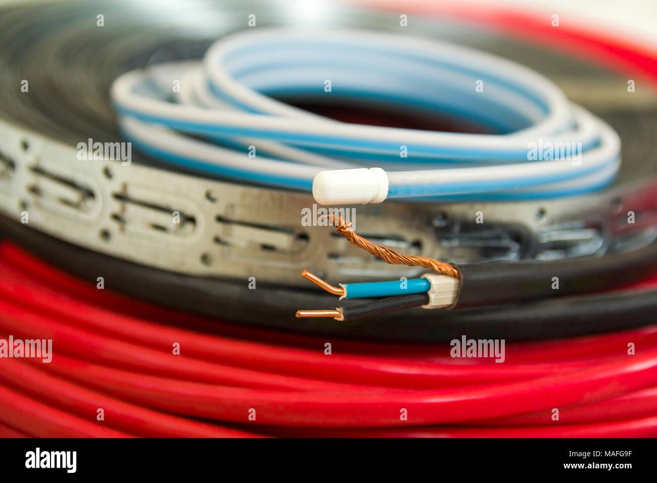 Tolle Feuerkabel 800 Kabel Galerie - Schaltplan Serie Circuit ...