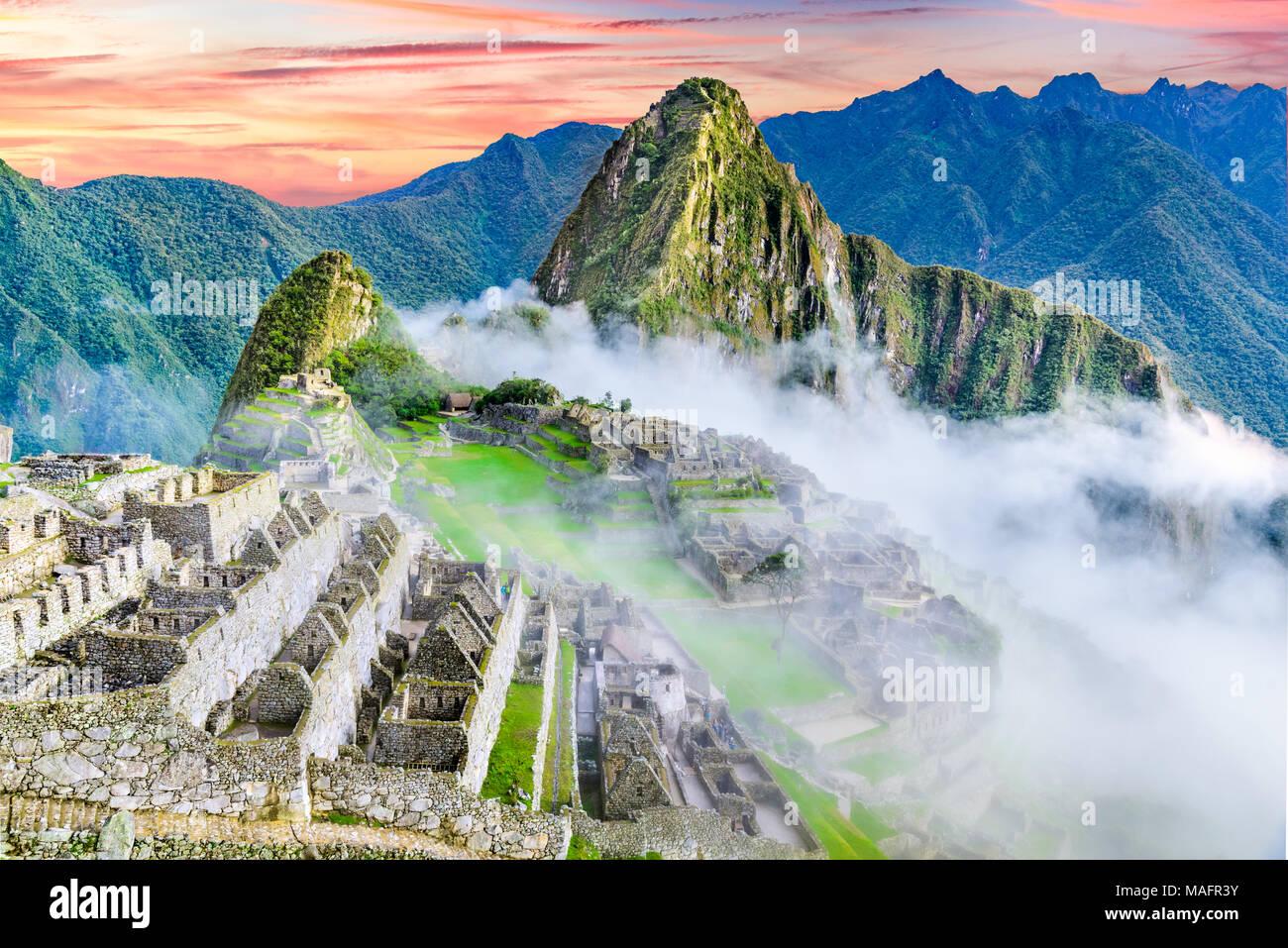 Machu Picchu in Peru - die Ruinen von Inca Empire City und Huaynapicchu Berg im Heiligen Tal, Cusco, Südamerika. Stockbild