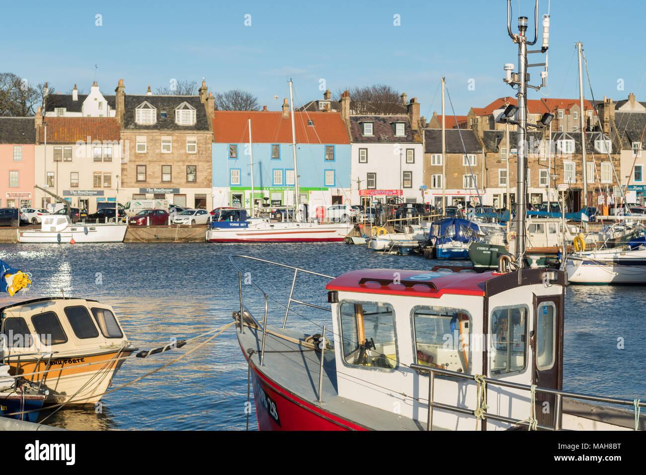 Anstruther - Boote und Waterfront, East Neuk, Fife, Schottland, Großbritannien Stockbild