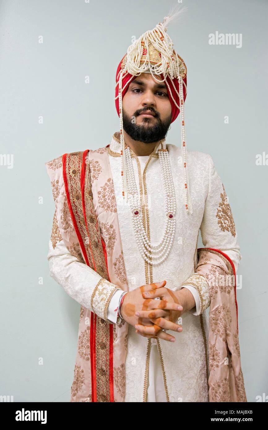Ausgezeichnet Sikh Bräutigam Kleid Galerie - Hochzeitskleid Für ...