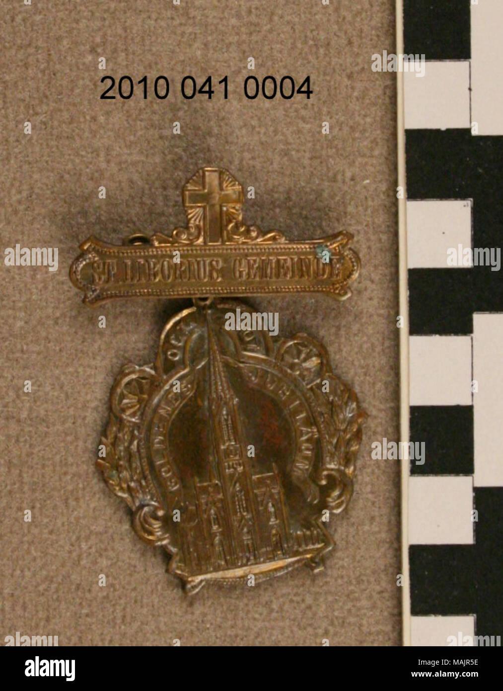 Bronzemedaille mit Pin auf der Rückseite des oberen Teil
