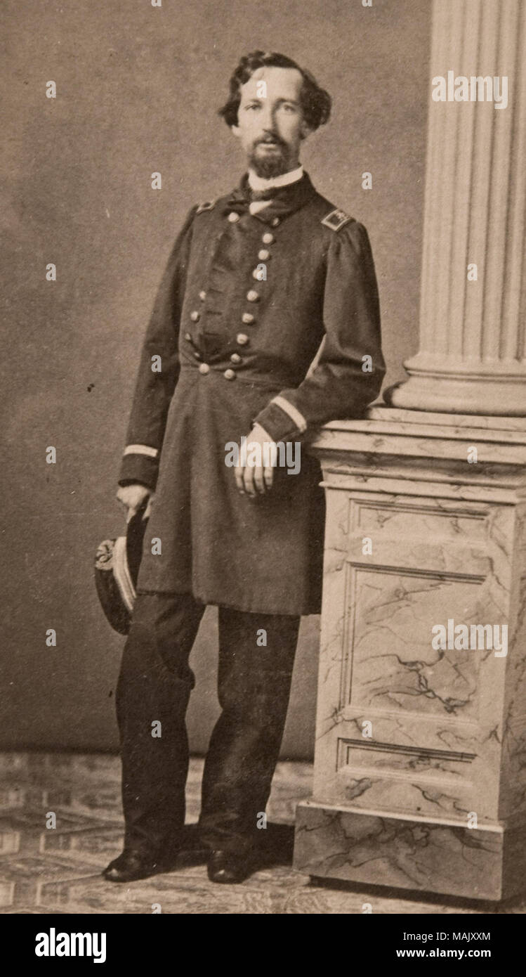 Carte De Visite Portrait Von Joe Lewis In Uniform Full Body Shot Mit Themen Freuen