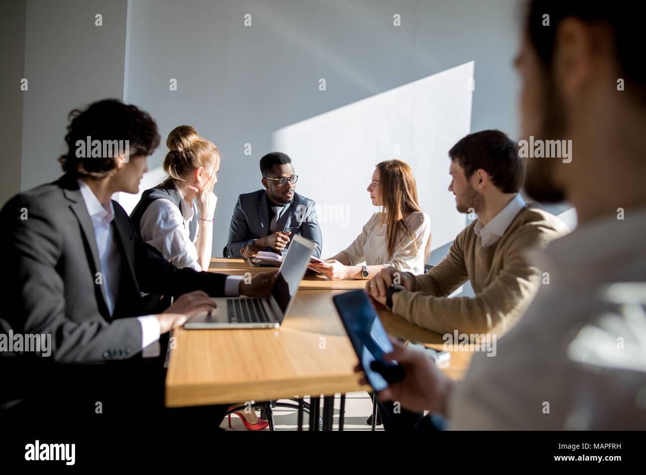 Geschäft Leute hören, Marketing professionelle afrikanische Redner Präsentation Stockbild