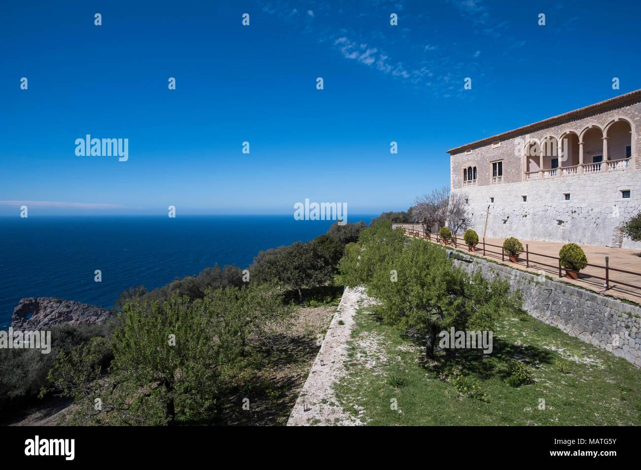 Mallorca, Finca Son Marriog bei Valldemossa, Blick vom Marmorpavillon in den Palast Stockbild