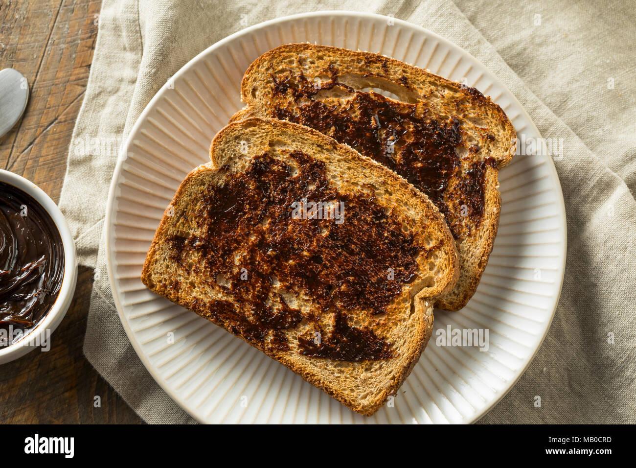 Köstlichen Australischen dunkler Hefeextrakt Spread für Toast Stockbild
