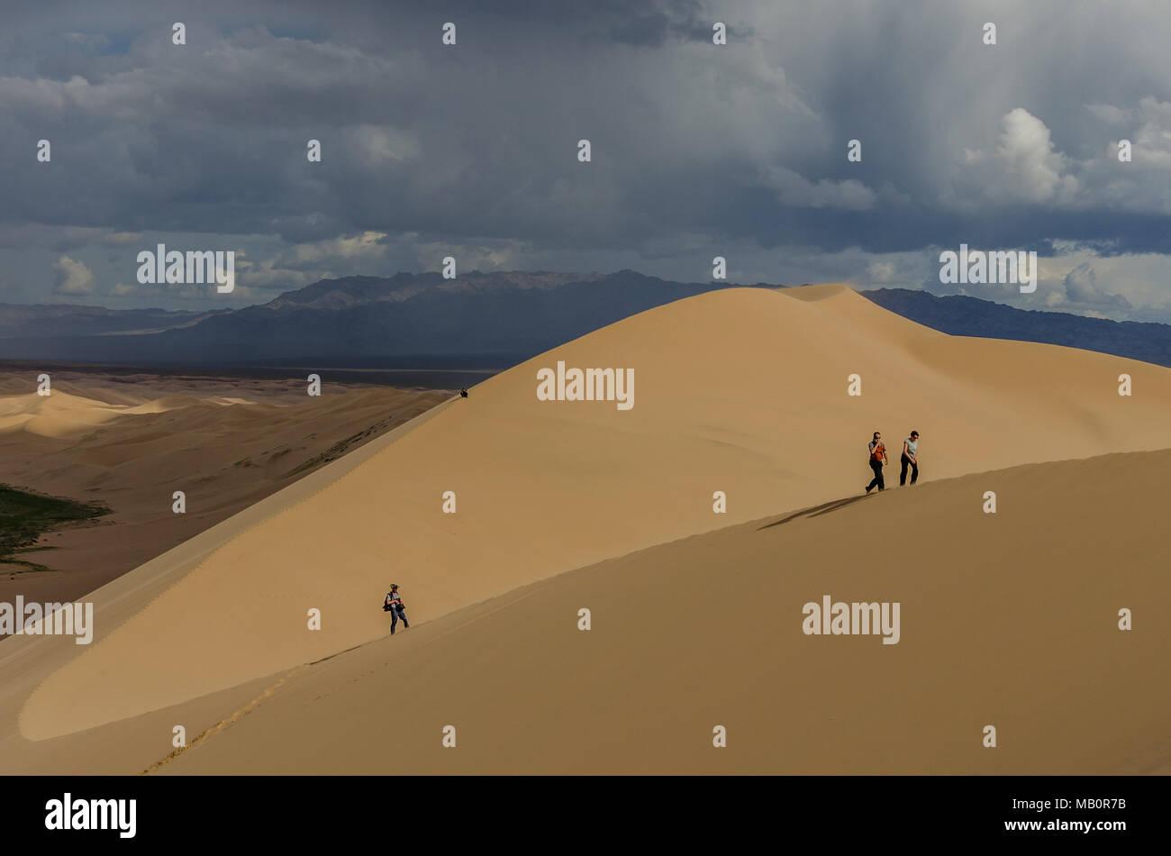 Besteigung des Khongoryn Els, Wüste Gobi, Mongolei Stockfoto