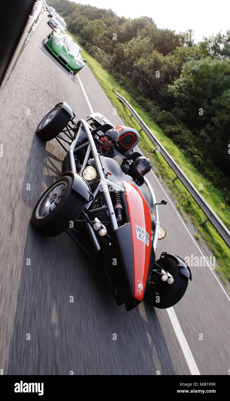 Ariel Atom leichten Sportwagen oder Track Autofahren schnell auf der britischen öffentlichen Straßen. Stockfoto