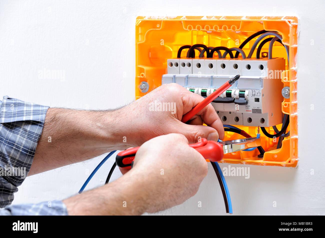 Atemberaubend Elektrische Schalttafel Des Hauses Galerie - Die ...