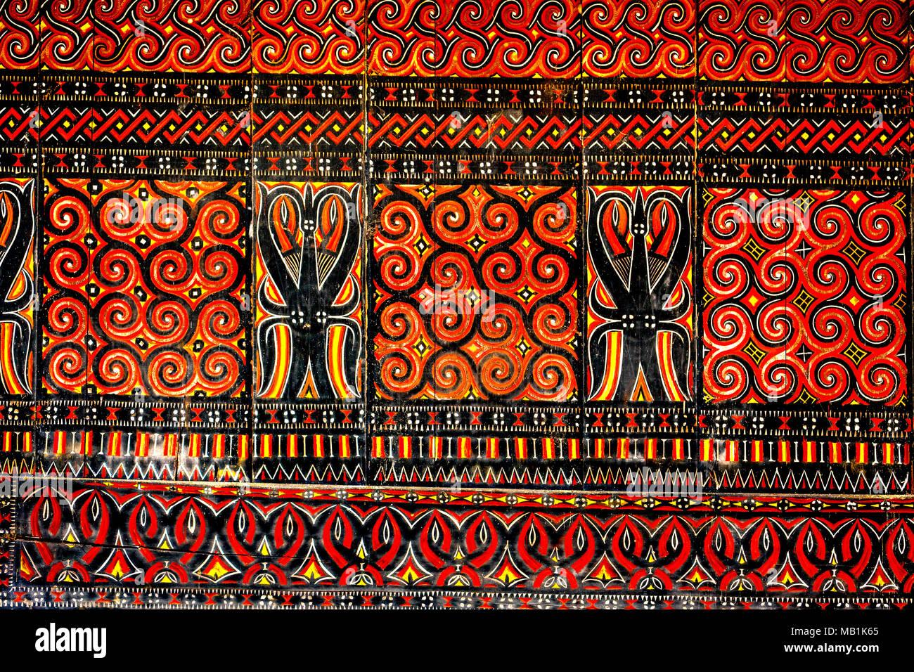 In Tana Toraja, Symbole der Büffel werden oft benutzt, um den Reis Tongkonan Häuser und Scheunen zu verzieren Wohlstand zu zeigen. Südsulawesi, Indonesien. Stockbild