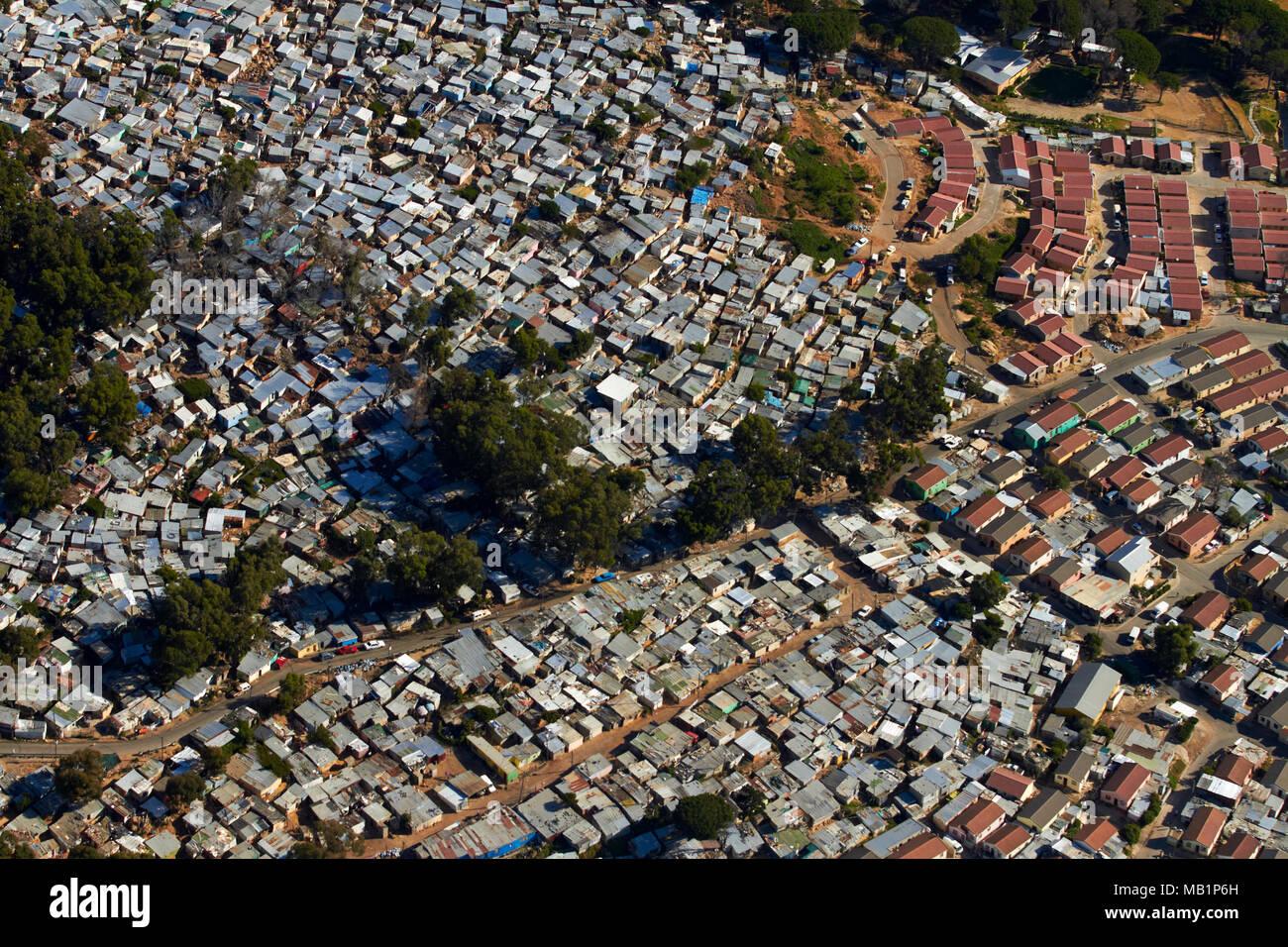 Imizamo Yethu Township, Hout Bay, Kapstadt, Südafrika - Antenne Stockfoto