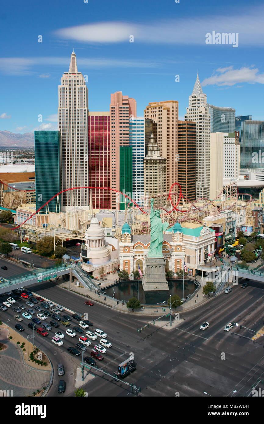 NEW YORK - NEW YORK HOTEL AND CASINO (erhöhte Ansicht). Paradies, Las Vegas, Clark County, Nevada, USA. Stockbild