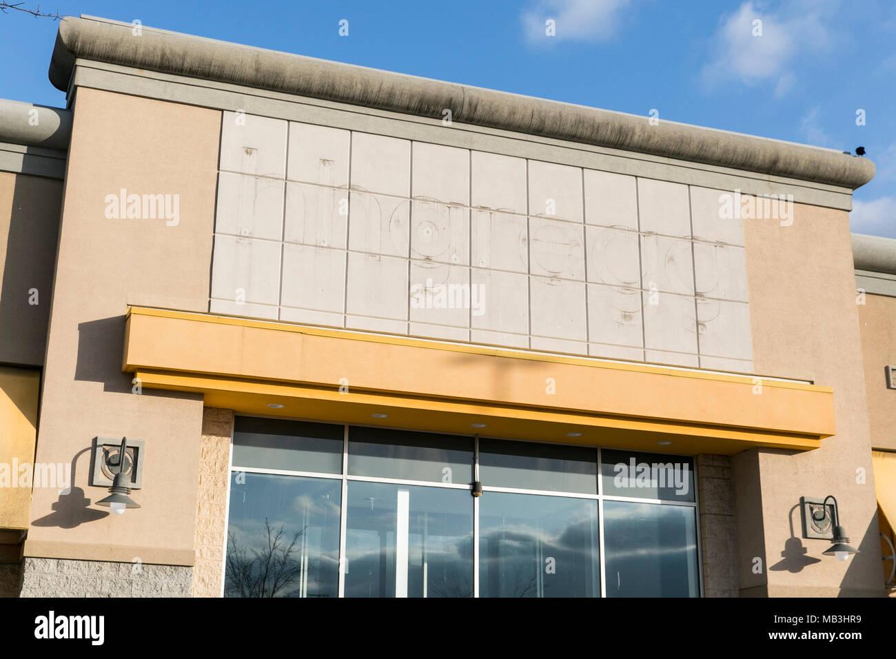 Die Umrisse Einer Hhgregg Logo In Einem Jetzt Geschlossen Store