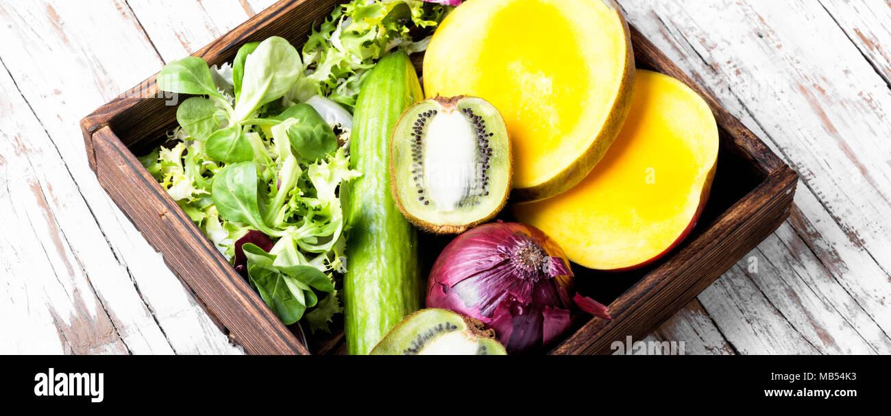 Zusammensetzung Mit Frischem Obst Und Gemuse Detox Diat Gesund