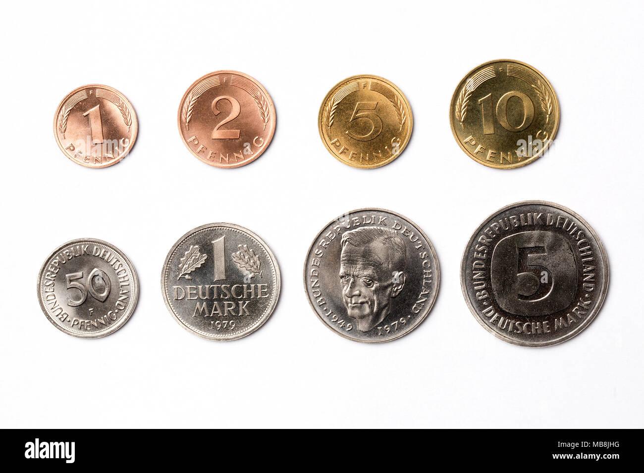 Alte Deutsche Münzen Auf Weißem Hintergrund Stockfoto Bild
