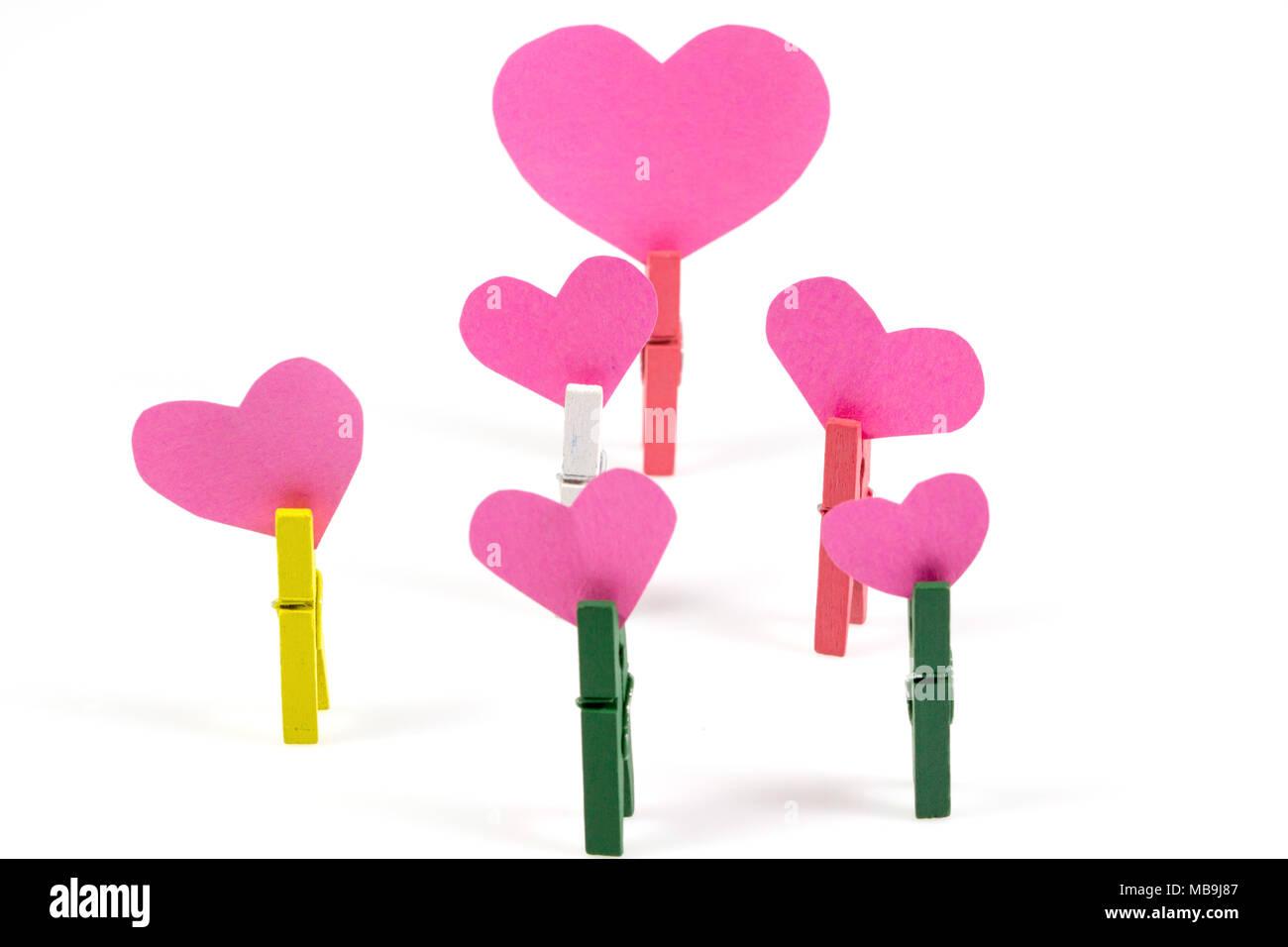 Rosa Herz Aus Papier Mit Buroklammer Valentinstag Symbol Der Liebe