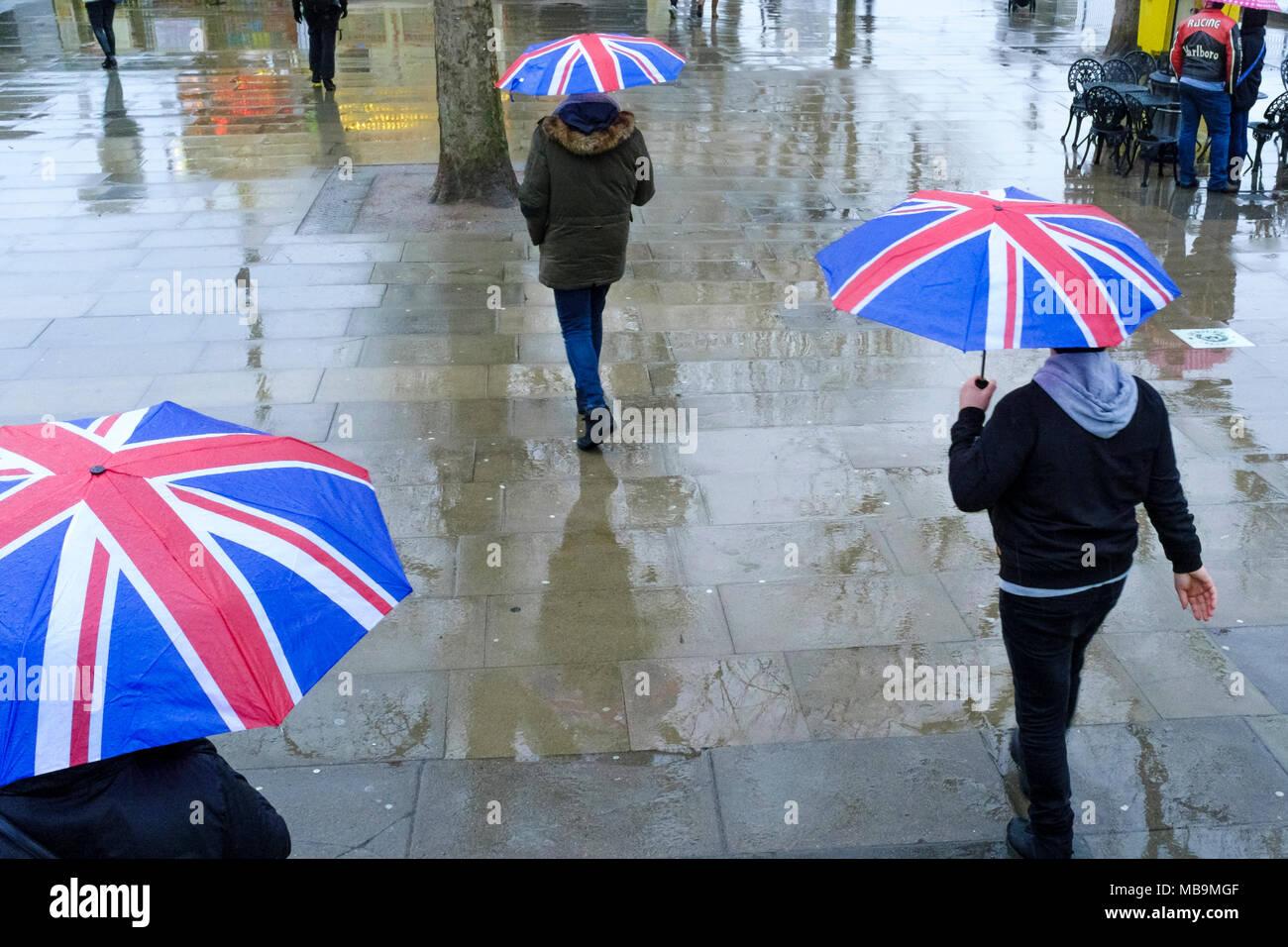 Union Jack Sonnenschirme, London, UK Stockbild