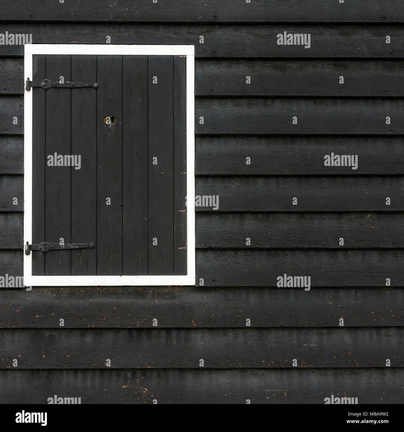 Schwarzes Holz geschlossene holz schwarzes fenster amsterdam niederlande