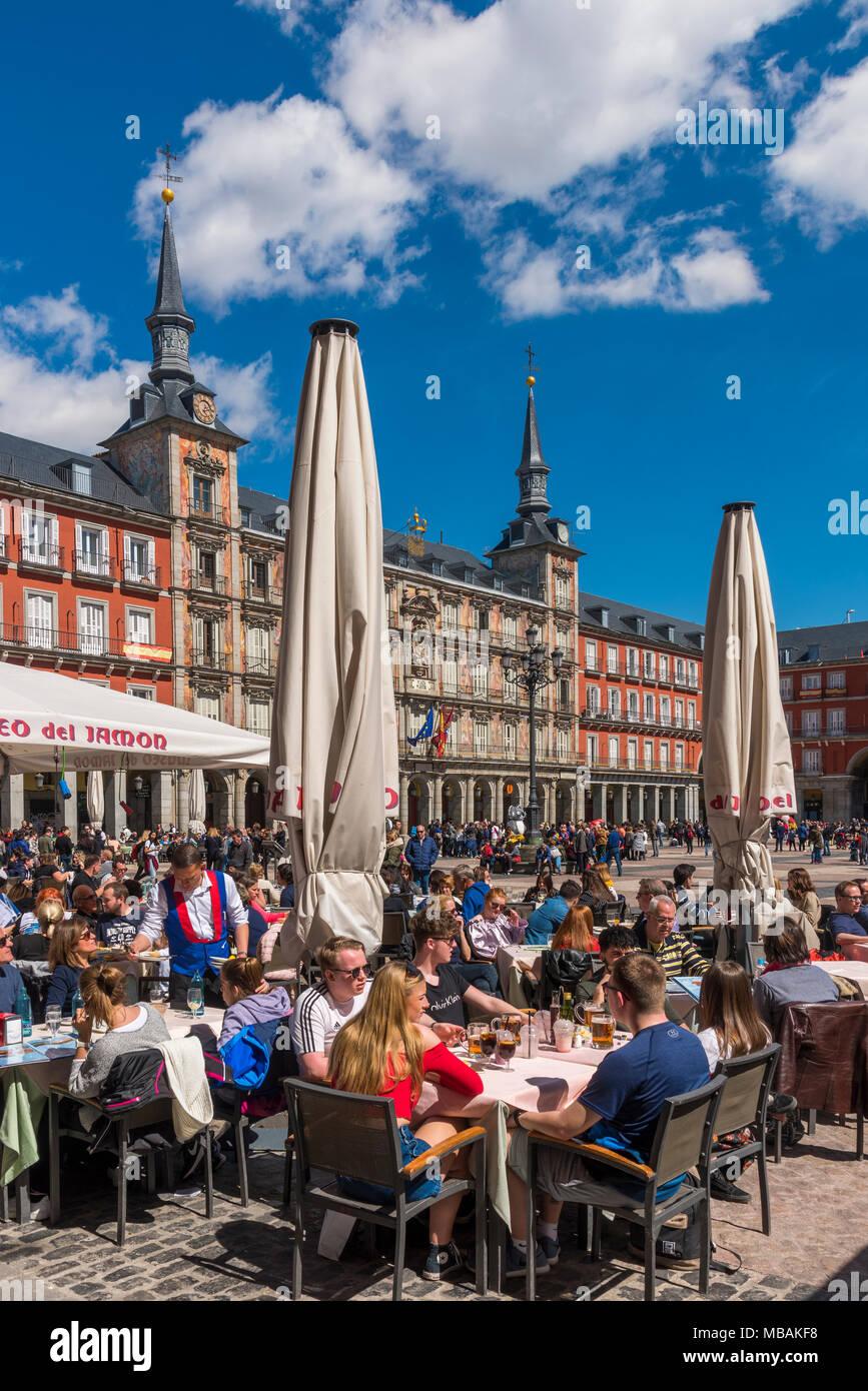 Café im Freien, Plaza Mayor, Madrid, Gemeinschaft von Madrid, Spanien Stockbild