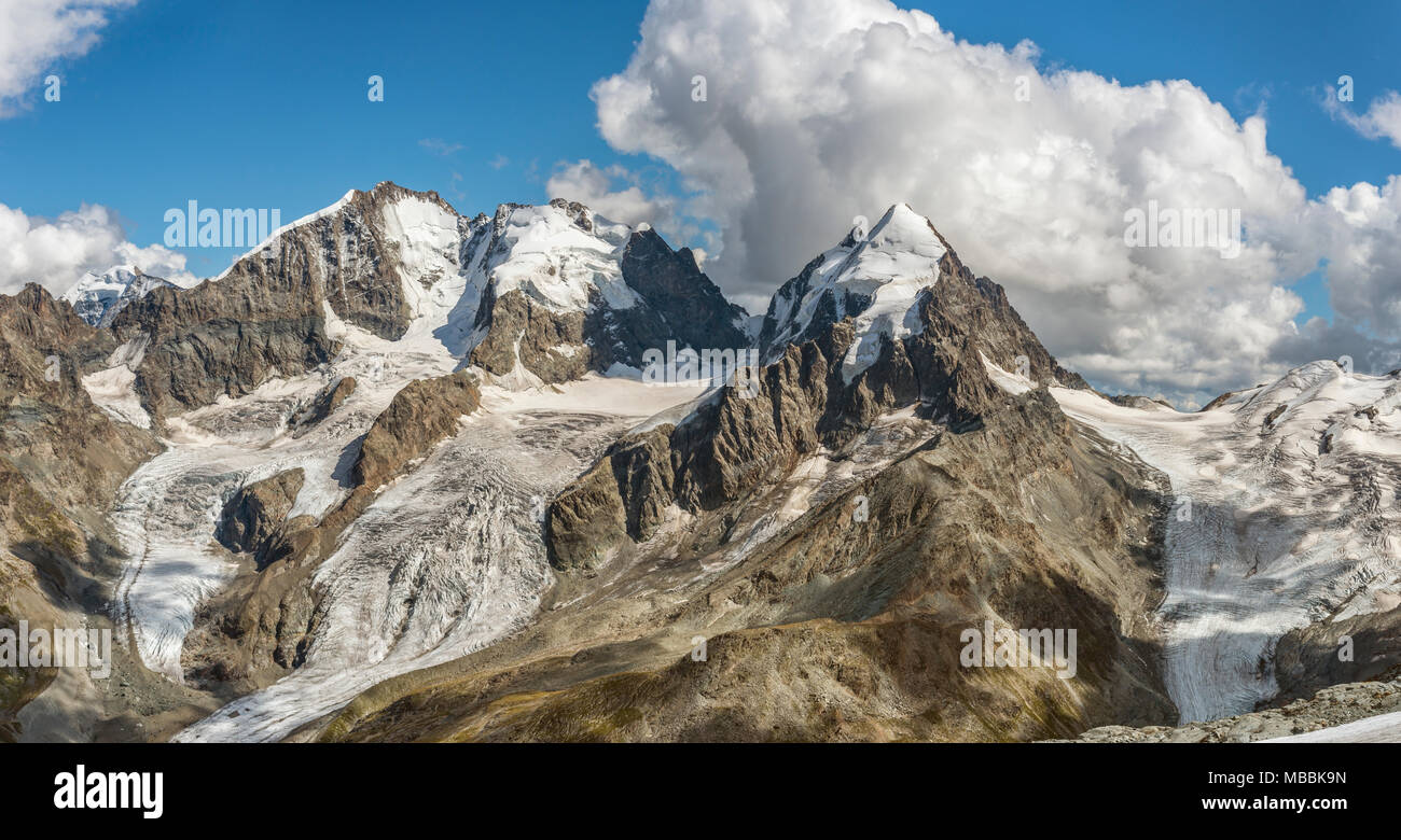Bernina, Piz Roseg, Sellagletscher und Piz Bernina Piz Corvatsch Bergstation, Graubünden, Schweiz gesehen. Stockbild
