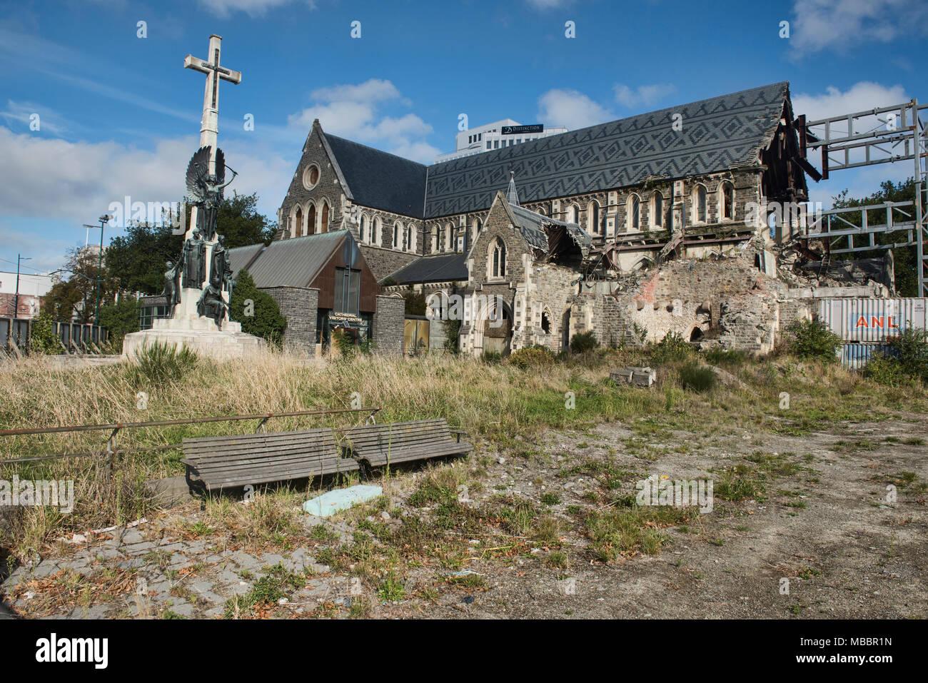Die Christchurch Cathedral Noch Nach Dem Erdbeben 2011 Christchurch Neuseeland Beschadigt Stockfotografie Alamy