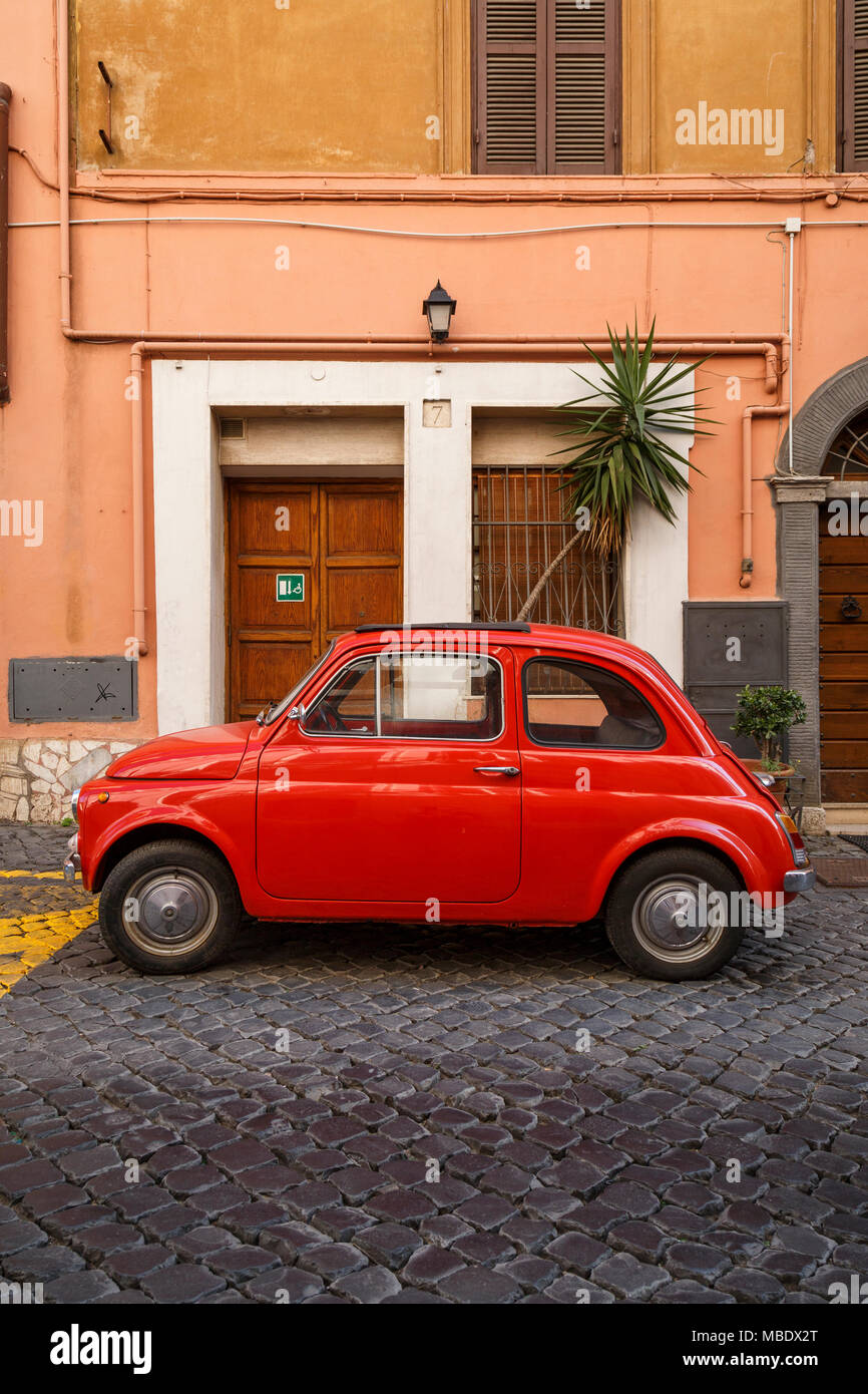 fiat 500 italy stockfotos fiat 500 italy bilder alamy. Black Bedroom Furniture Sets. Home Design Ideas