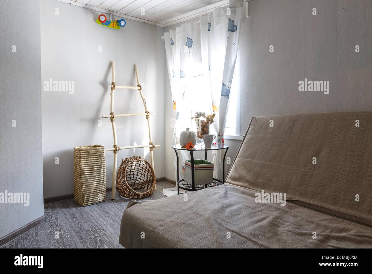 Innenraum Foto Für Designer Schlafzimmer Im Skandinavischen Stil Ferienhaus  Aus Holz Mit Dekorativen Details.