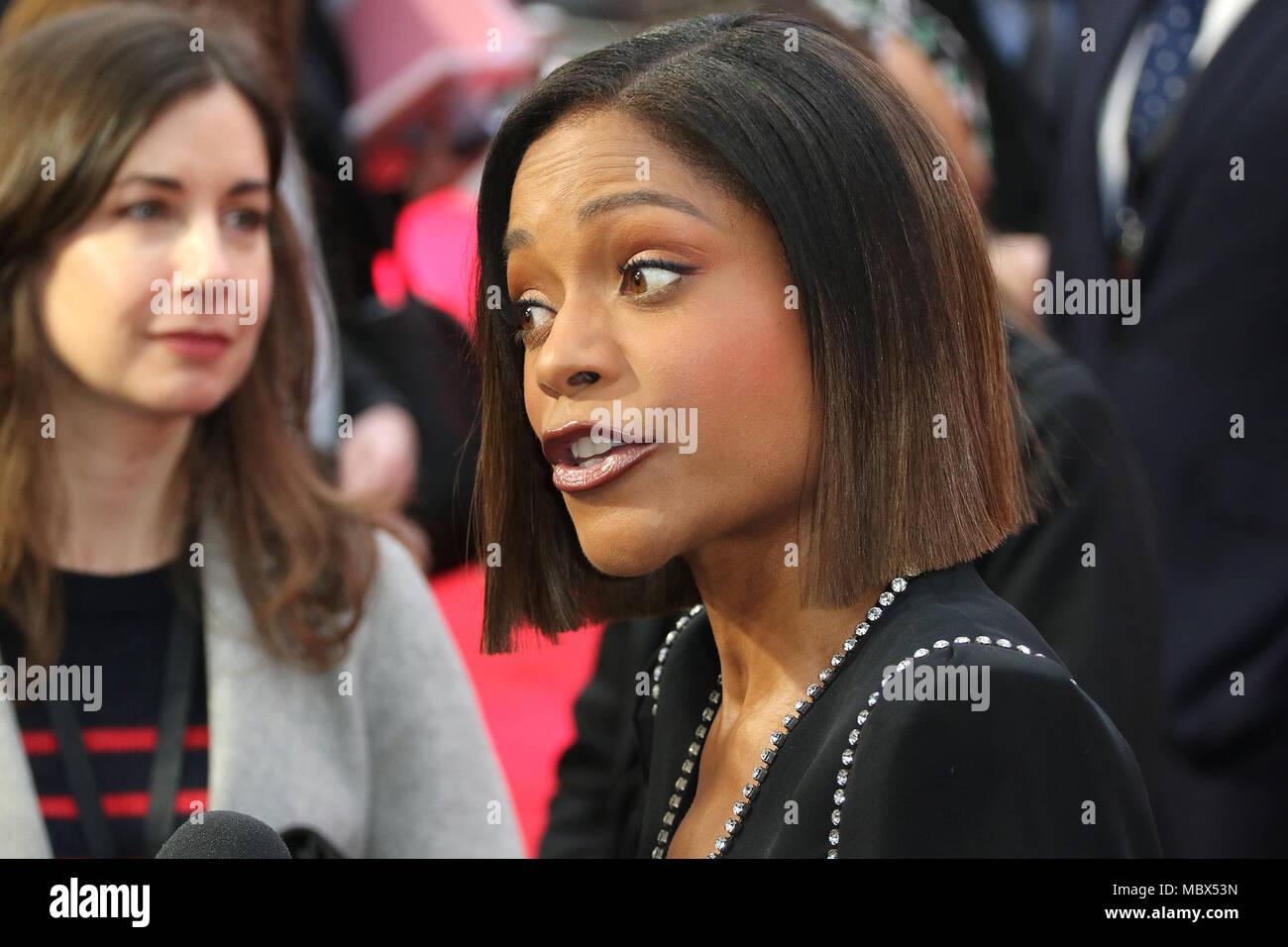 London, Großbritannien. 11. April 2018. Naomie Harris, Rampage - Europäische Premiere, Leicester Square, London, UK, 11. April 2018, Foto von Richard Goldschmidt Credit: Rich Gold/Alamy leben Nachrichten Stockfoto