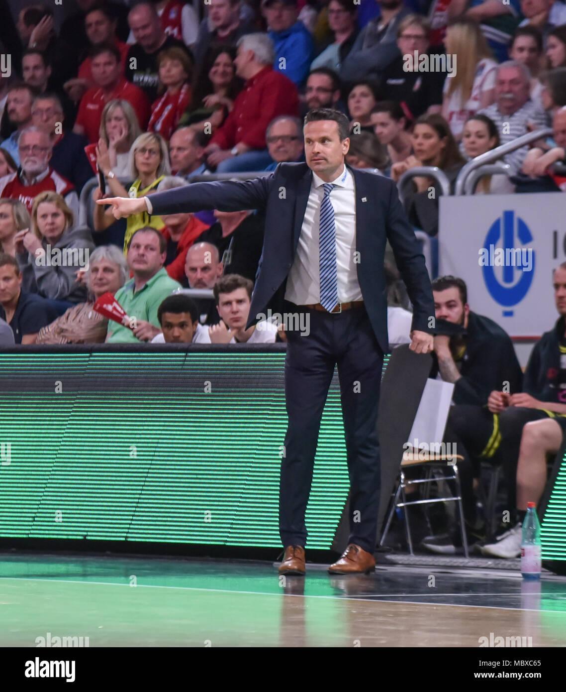 Deutschland, Bamberg, Brose Arena - 11. April 2018 - Basketball, 1. Bundesliga, BBL-Brose Bamberg vs. Medi Bayreuth - Bild: Raoul Korner (Medi Bayreuth, Head Coach) Foto: Ryan Evans Stockbild