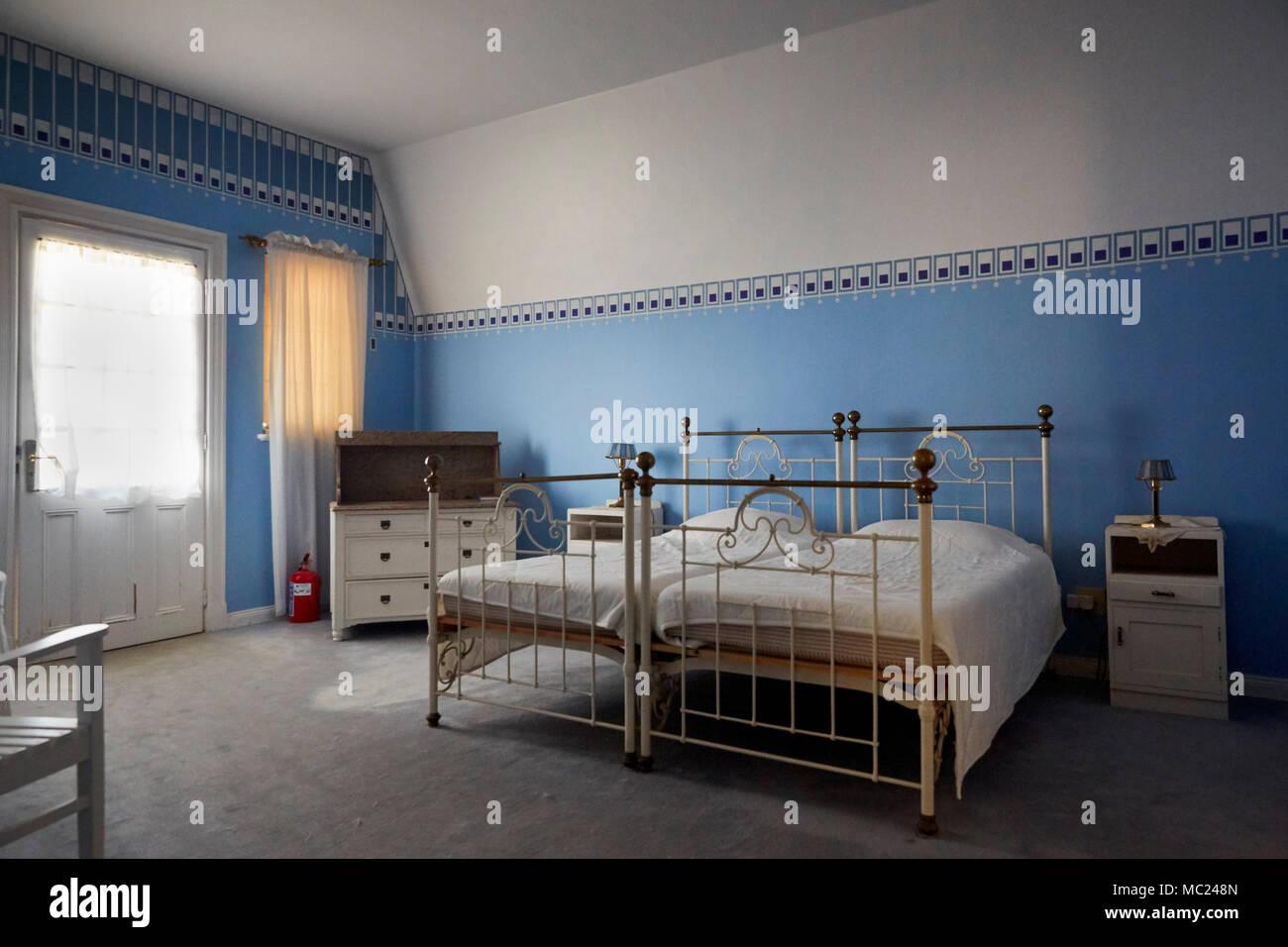 Schlafzimmer in Goerke Goerke Haus (Haus) in Lüderitz, Namibia ...
