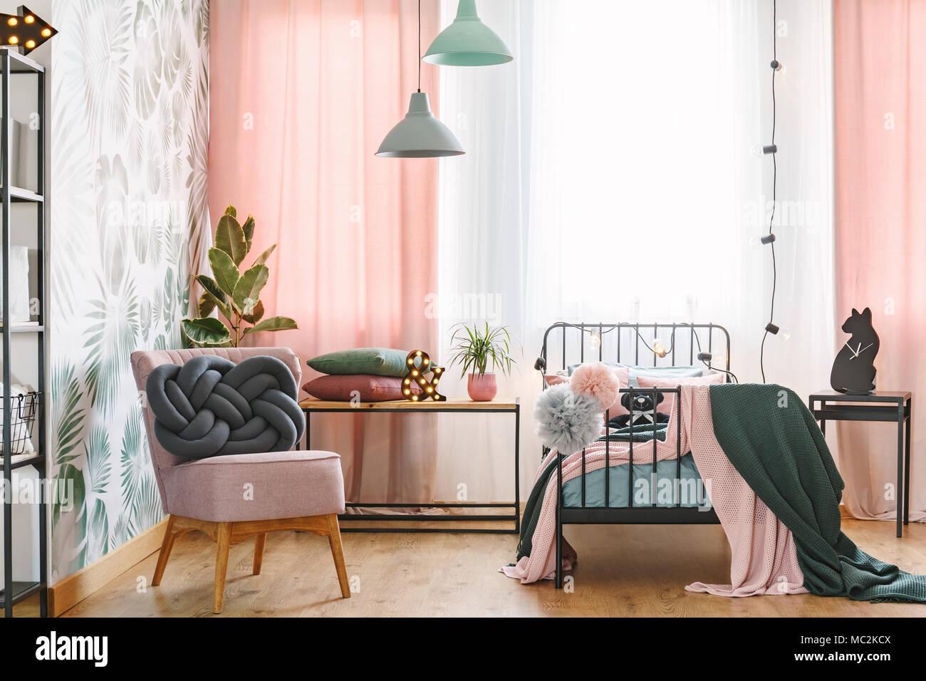 stuhl schlafzimmer coole tapeten f r schlafzimmer ikea kleine ideen poco lattenroste 1 60x2 00. Black Bedroom Furniture Sets. Home Design Ideas
