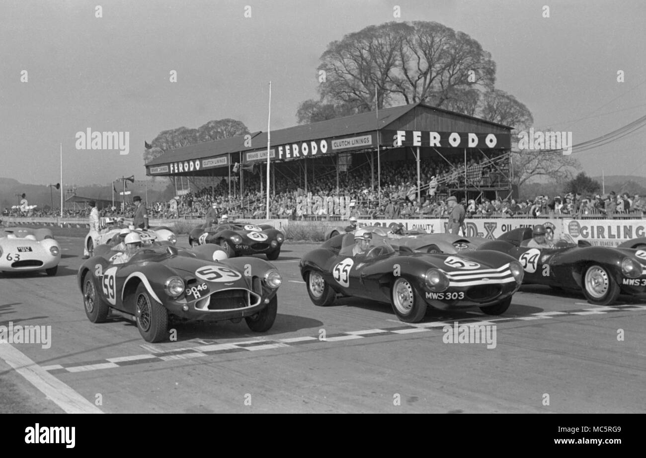 Aston Martin DB 3 S Stirling Moss, Start der Goodwood internationalen Autorennen Sport 2.4.1956 Stockbild