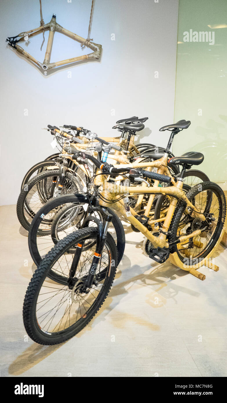Bamboo Bike Stockfotos & Bamboo Bike Bilder - Alamy