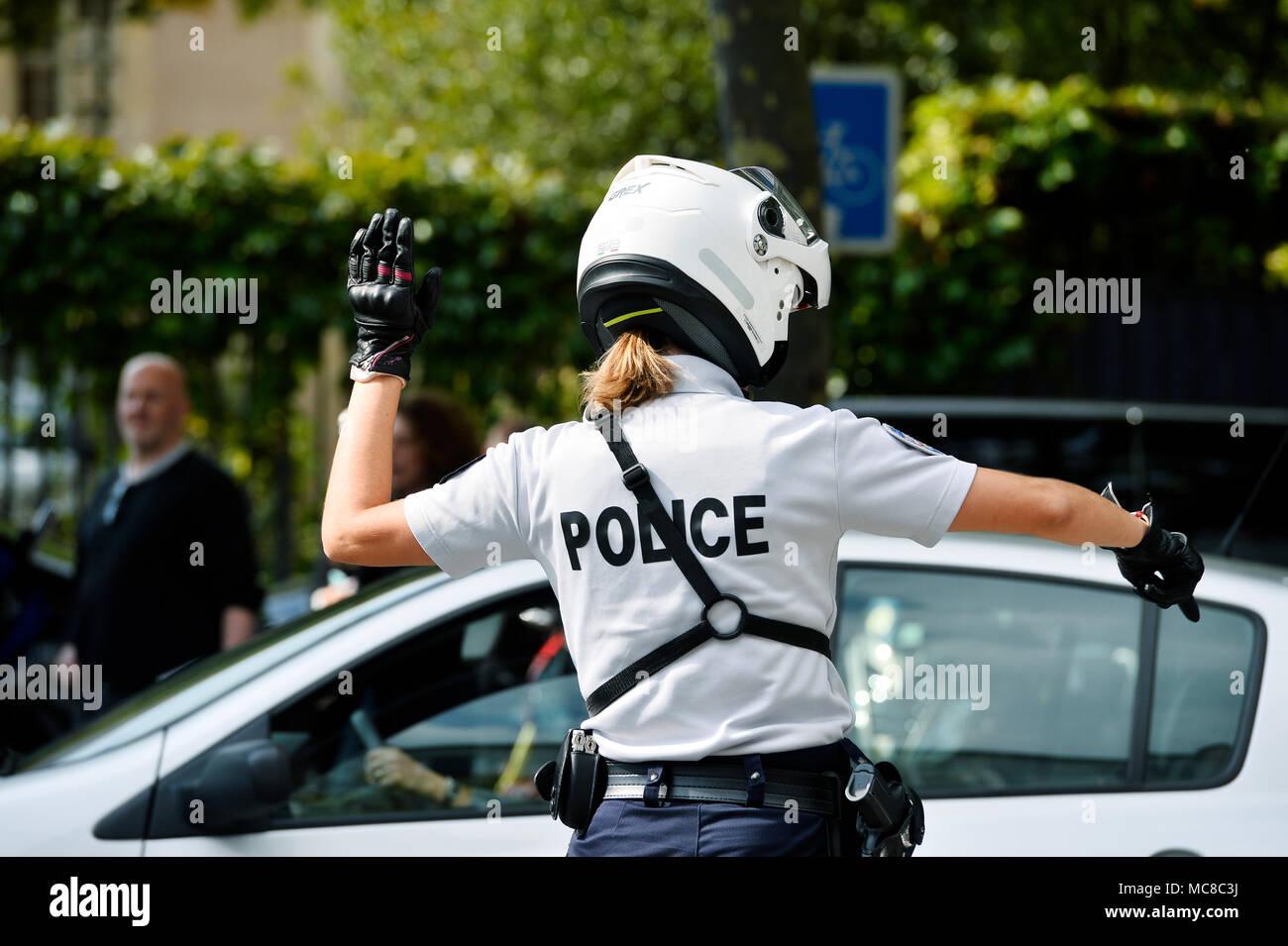 Polizistin - Polizei Verkehr - Straße - Paris - Frankreich Stockbild