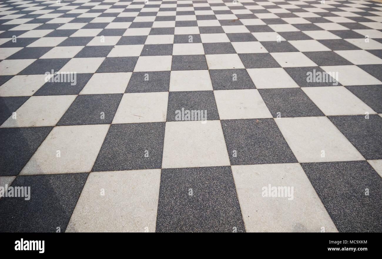 Fußboden Fliesen Schwarz Weiß ~ Schwarze und weiße keramik zustand mit gitterlinien für