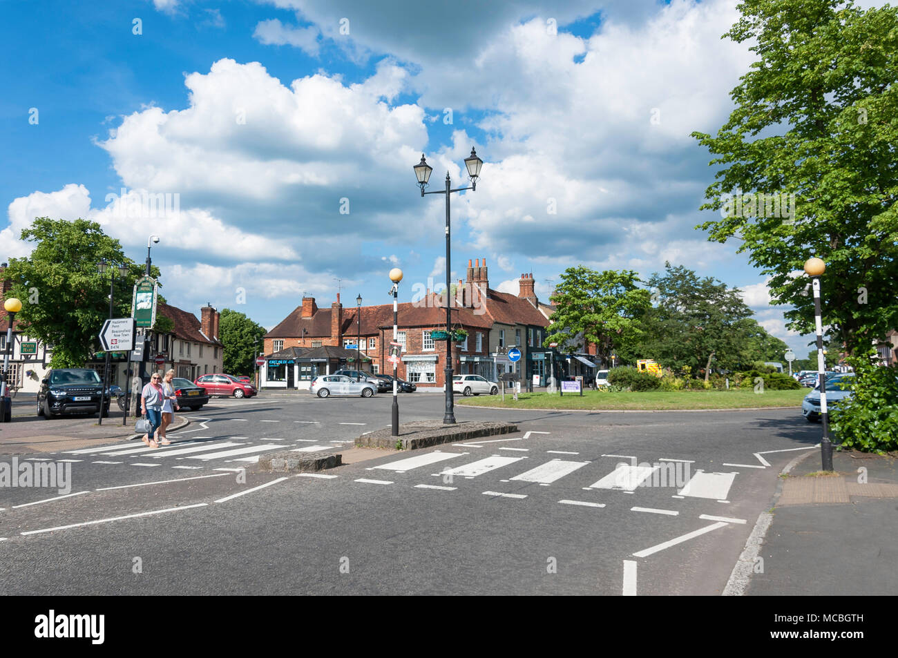 country town roundabout stockfotos country town roundabout bilder alamy. Black Bedroom Furniture Sets. Home Design Ideas