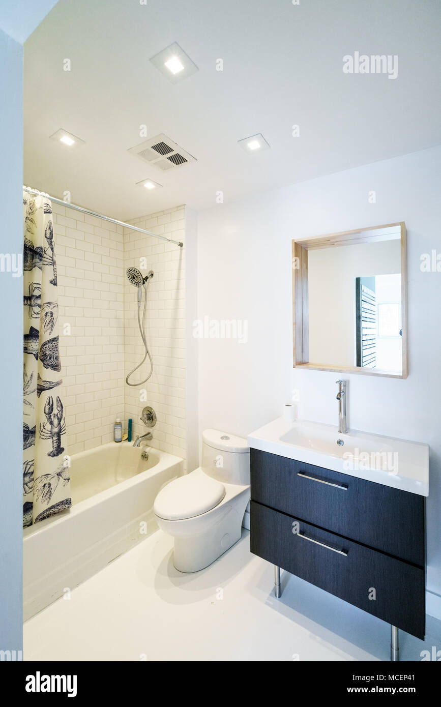 Innenraum der modernen Luxus Badezimmer Stockfoto, Bild ...