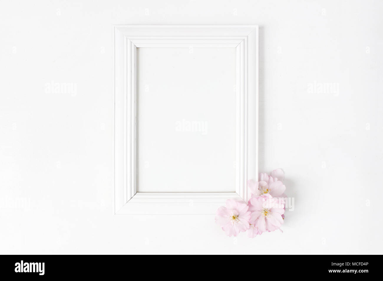 Flowers Photo Frame Room Stockfotos & Flowers Photo Frame Room ...