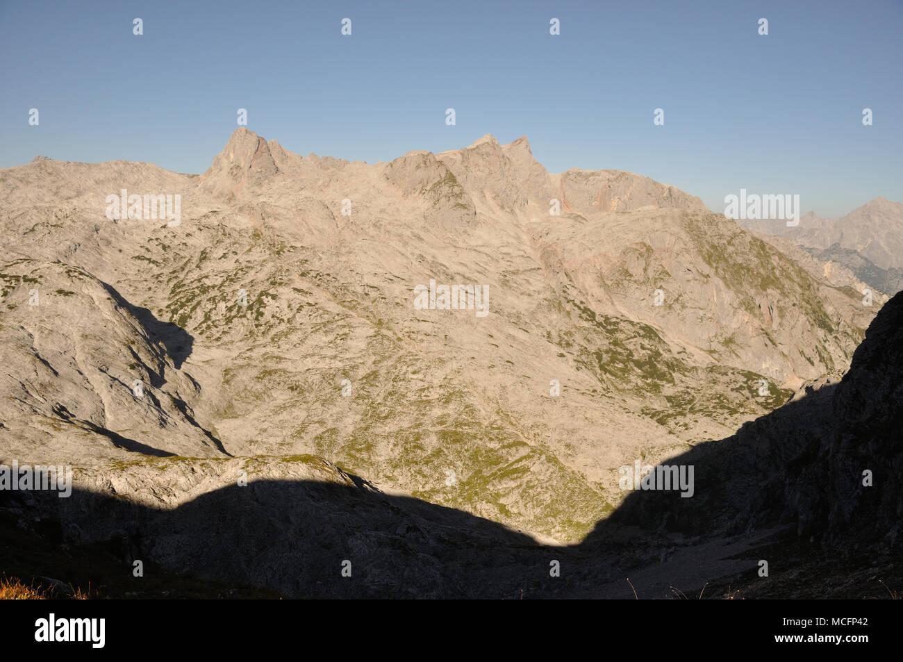 Blick auf desertlike Steinerne Meer mit Funtenseetauern im Nationalpark Berchtesgaden zwischen Österreich und Deutschland Stockbild