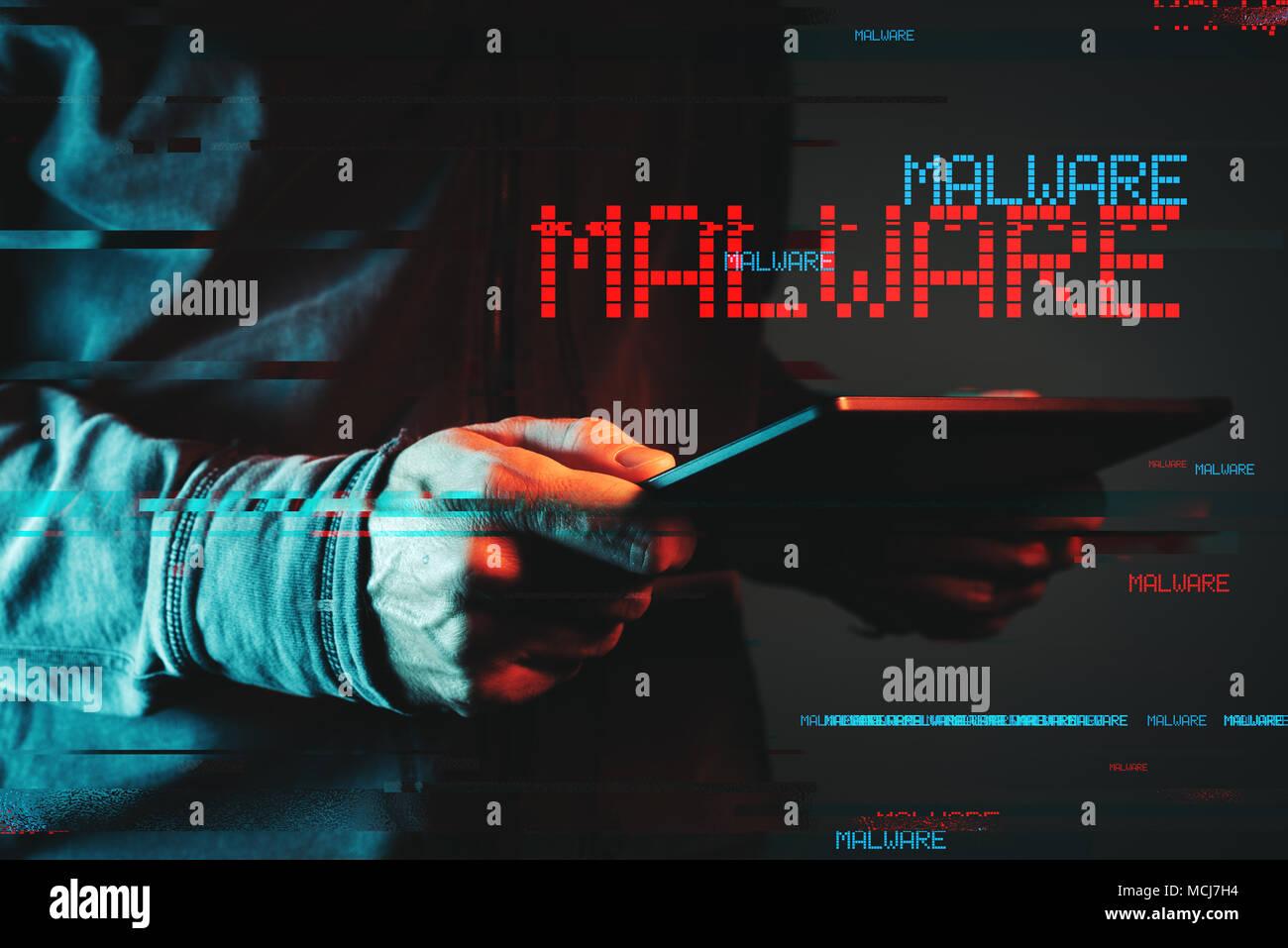 Malware Konzept mit Tablet Computer person, Low Key rot und blau beleuchtete Bild und digitale glitch Wirkung Stockbild