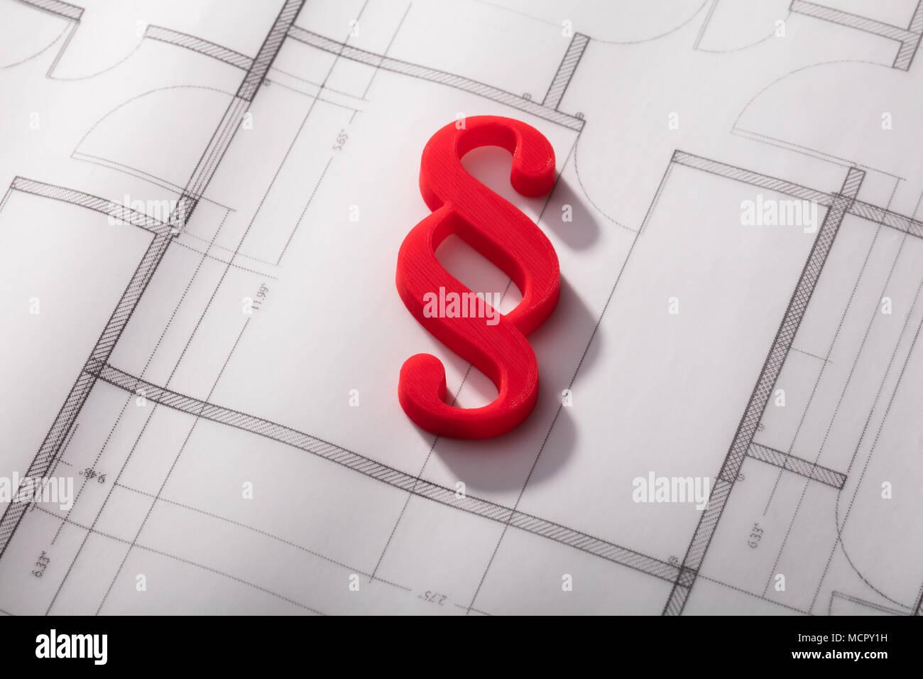 Hohe Betrachtungswinkel der Roten Absatz Symbol auf Blueprint Stockbild