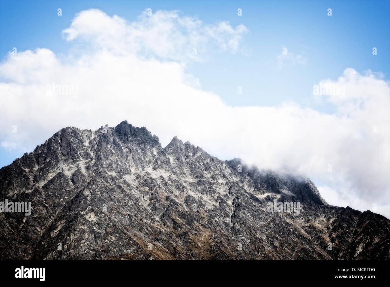 Die beeindruckende Bergkette in der Nähe von Queenstown, Südinsel, Neuseeland. Stockfoto