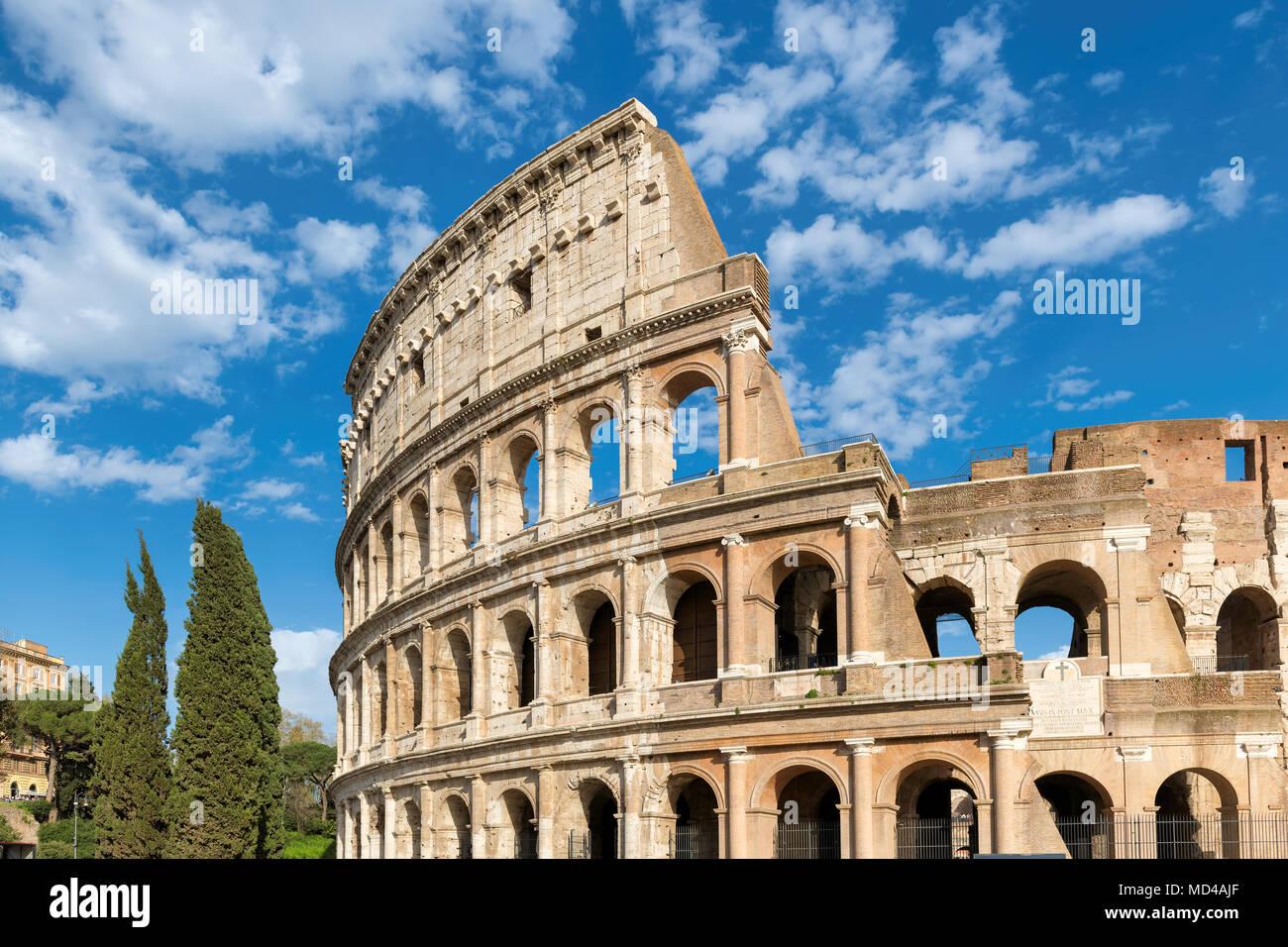 Kolosseum close-up bei Sonnenuntergang in Rom, Italien Stockbild