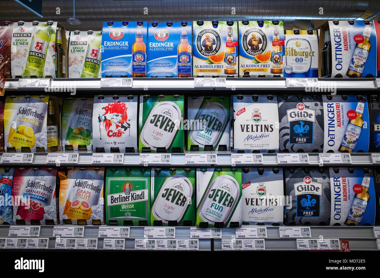Alkoholische und null Alkohol Getränke zum Verkauf durch die Kiste ...