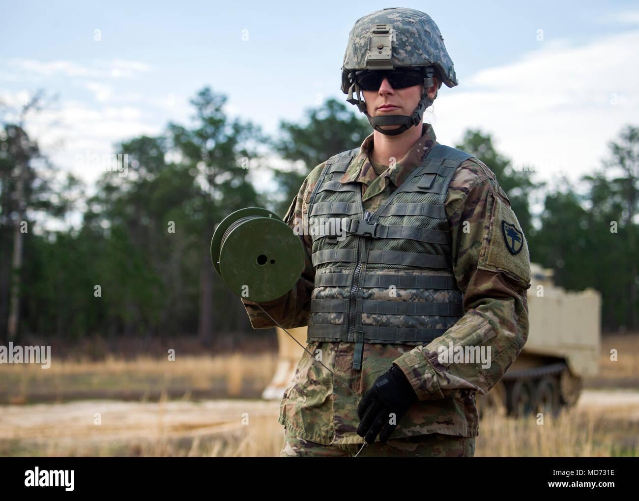Us-Armee Sgt. Elizabeth Reynolds, eine Bekämpfung der Ingenieur mit ...