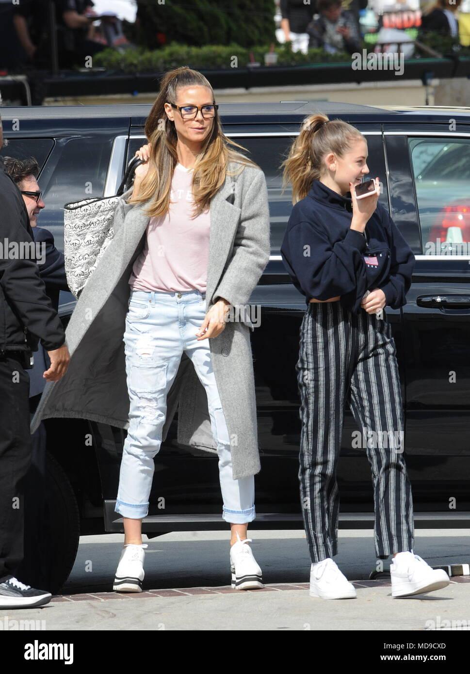 Heidi Klum Bei Der Ankunft Im Americas Got Talent Zeigen In