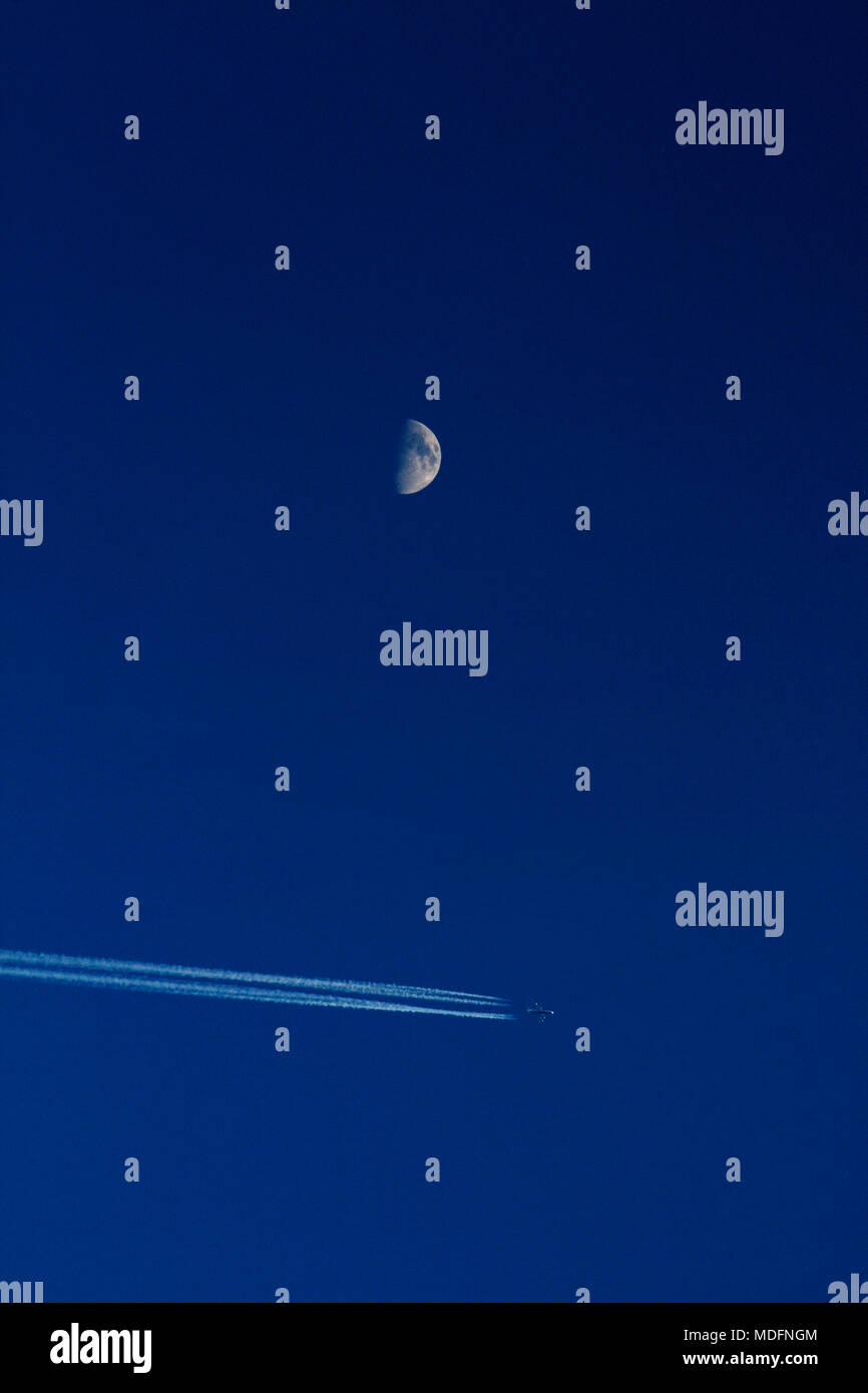 phases of the moon stockfotos phases of the moon bilder alamy. Black Bedroom Furniture Sets. Home Design Ideas
