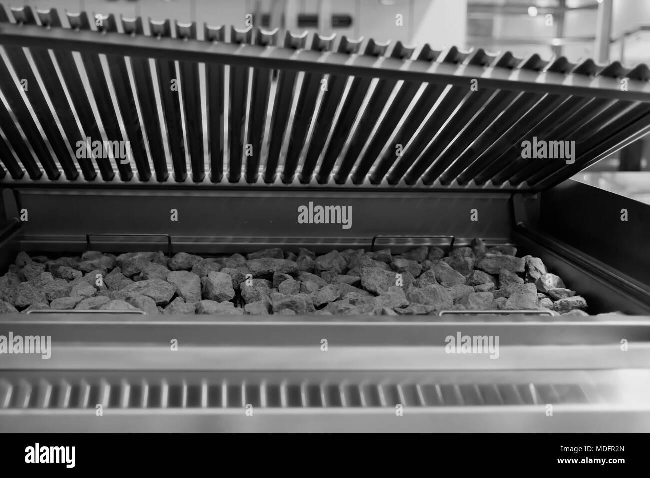 Kommerzielle Küche Grill Stockfoto, Bild: 180441597 - Alamy
